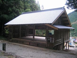 神社拝殿 屋根葺き替え