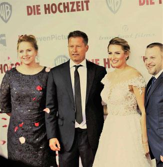 Traurednerin mit Til Schweiger bei der Filmpremiere von Die Hochzeit im Zoopalast Berlin
