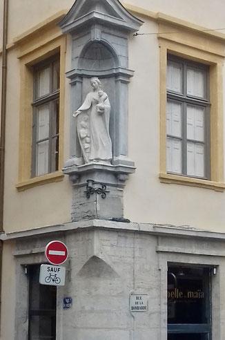 Angle de la rue du Boeuf et de la rue  de la Bombarde (octobre 2020)
