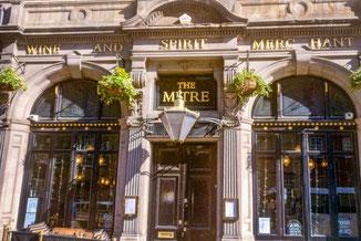 Pub, The Mitre, Royal Mile, Edinburgh, Schottland, Die Traumreiser