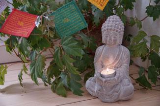Yoga Studio Shanti Bergisch Gladbach Sand, Yoga-Lehrerin Gudrun WItte, Hatha Yoga, Shivananda Tradition, Buddha