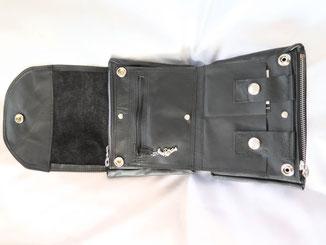 schluesseletui aus schwarzem Leder mit vielen Fächer