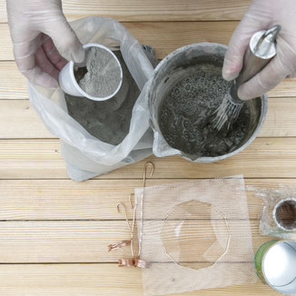 Concrete mixing tools for small artistic projects with PASiNGA