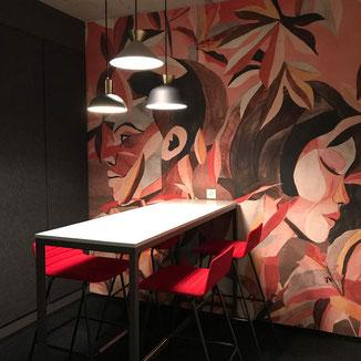 """Meetingraum mit Fototapete """"zwei Gesichter"""" Visualisierung Illustration Rot und  Schwarz"""