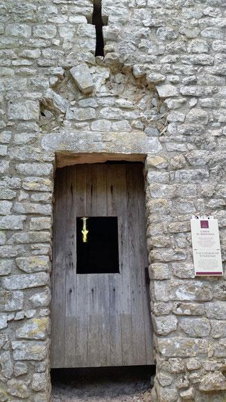 Sv. Krsevan - eine uralte Kapelle mitten im Wald...