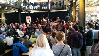 Fischmarkt mit Live Band