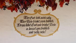 An einer Hauswand in Oberbozen zu lesen...