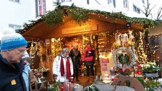 Die Weihnachtsmarktbuden sind wirklich beeindruckend...
