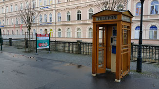 Hier gibt es sie noch... die guten alten Telefonzellen...