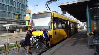 Oben in Degerloch ist Endstation... gerne werden auch Bikes transportiert...