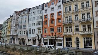 Meine Unterkunft (Hotel Dvorak) besteht aus 5 Häusern (beginnend von rechts)...