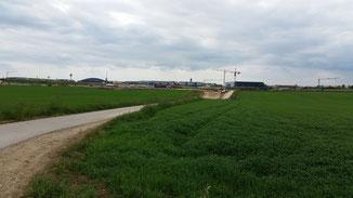Blick nach Westen: Großbaustelle und schlechtes Wetter...