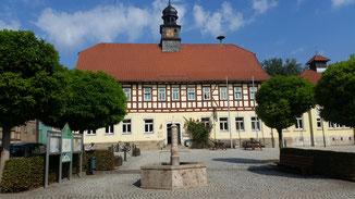 Das Rathaus samt Rathausschänke - rigendwie geschichtsträchtig...