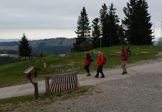 Morgens - noch vor dem großen Regen ziehen wir ins Tal. Ein herzliches Danke an die Falkenhütte.