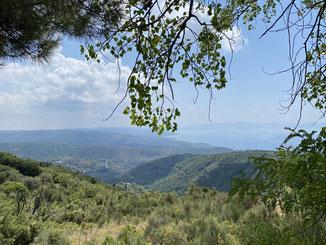 schöne Ausblicke auf der Fahrt durch die Berge