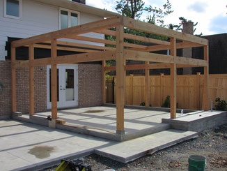Sunroom addition of large DF timber