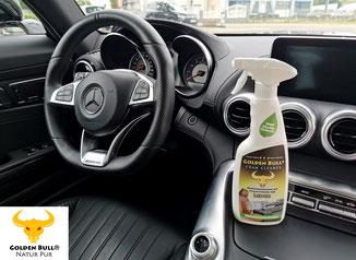 Das Lederlenkrad im Cockpit reinigen und pflegen mit dem Golden Bull Foam Cleaner. Auch für hochwertige Sportwagen wie den Mercedes Benz AMG GT bestens geeignet. Hochwertige Detailing Produkte für die Fahrzeugpflege von KFZ der Marken BMW, Mercedes, Audi.