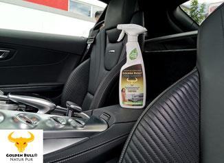 Die Lederreinigung und Lederpflege von schwarzen Glattleder Sportsitzen im Mercedes Benz AMG GT kann mit dem Golden Bull Foam Cleaner professionell durchgeführt werden.