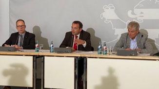 Hessens Kultusminister Prof. Dr. R. Alexander Lorz · Foto→ HKM