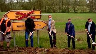 Spatenstich · Foto→ Kreisverwaltung