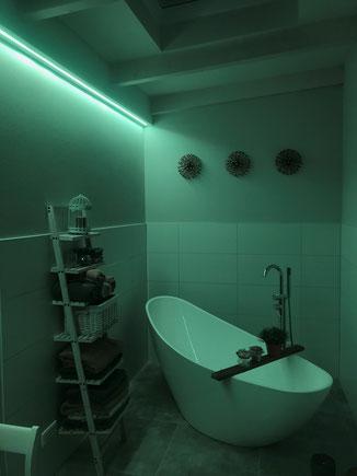 Abbiente Beleuchtung Bad in Hellblau