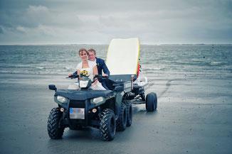 Fotograf Norderney, Hochzeitsfotograf Norderney, Inselfotograf, Badekarren Norderney Hochzeit, Heiraten am Strand, Hochzeitsfotos Norderney, Hochzeitsfotografie, Meer, Düne, Ostfriesland, 2016, 2017, 2018