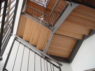 Treppenanlage, Stahlbau pulverbeschichtet