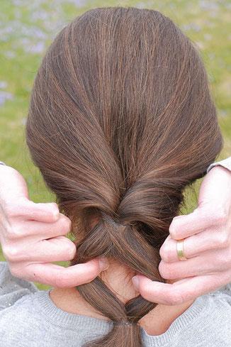 lockerer zopf anleitung, lockeren zopf machen, lockerer zopf lange haare