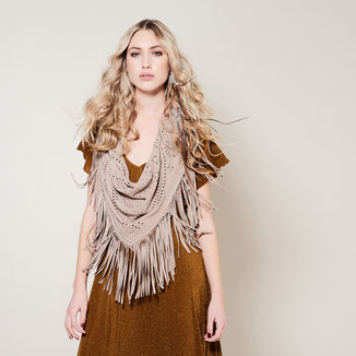 SUEDE SHAWL WITH FRINGES ADN STUDS