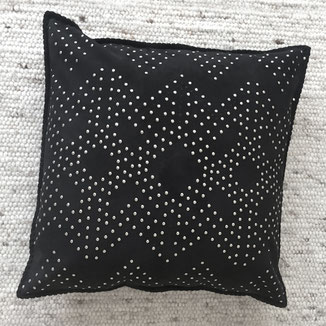 Eli - Suede home decor pillow black with studs