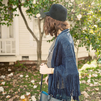 LEATHER SUEDE  NAVY SHAWL WITH FRINGES