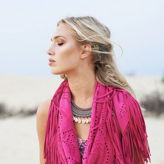 SMALL SUEDE FUCHSIA PINK SHAWL WITH FRINGES