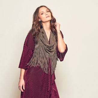 LEATHER SUEDE CAMEL SHAWL WITH FRINGES