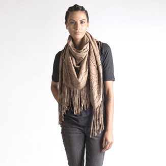 LEATHER SUEDE CAMELSHAWL WITH FRINGES