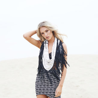 SUEDE SHAWL WITH BLACK LEATHER FRINGES