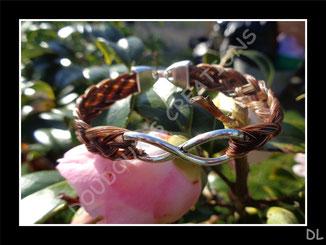 """Bracelet en crins alezans, connecteur """"infini"""""""