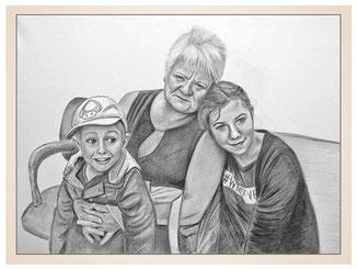 inna-bredereck-auftragsmalerei-familienportrait-kunstwerk-portraitzeichnungen-oma-frau-enkelkinder