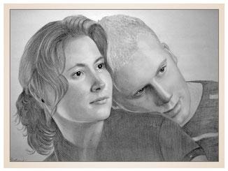 inna-bredereck-auftragsmalerei-familienportrait-kunstwerk-portraitzeichnungen-paar-mann-frau-haarzopf