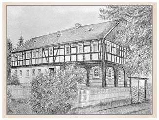 auftragsmalerei-inna-bredereck-kunstwerk-gegenstaende-gegenstandsmalerei-gartenzaun-strauch-fachwerkhaus