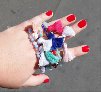 bracelet-pompons-diy-LesAteliersDeLaurene