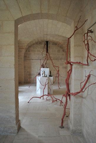 Aux racines, la Femme..  Une installation de plus de 10 mètres à voir jusqu'au 27 mai.