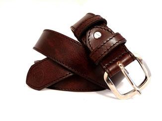 ceinture large en vrai cuir marron fabrication artisanale française dans un  atelier de maroquinerie petite série