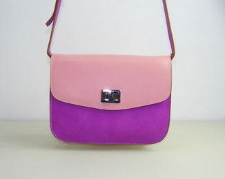 petit sac besace en cuir bicolore fait-main avec une bandoulière fabriqué par l'atelier artisanal ml-sellier