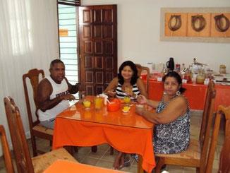 O Ir.`. João Luis veio conhecer nossa pousada! Trouxe a cunhada e aproveitaram bem as delícias do nosso café da manhã!!