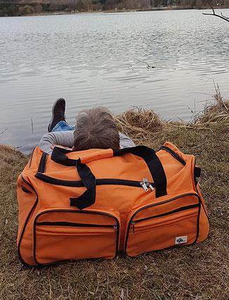 Deuba Reisetasche: Günstige Reisetasche mit Rollen im Test, Reisetasche mit Rollen günstig