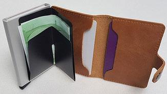 Kartenetui mit Geldklammer