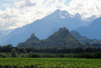Imposante Stadtmauer in Citadella