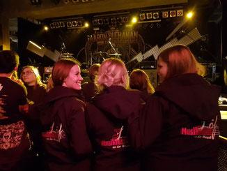 Karlsruhe, Royal Republic-Konzert / Lorena, Krissi, Laura