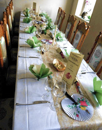 Gedeckter Tisch bei einer Goldenen Hochzeitsfeier bei uns im Vina Pearl 2014