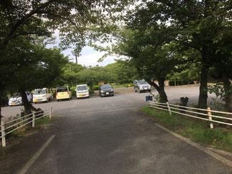 駐車場入場ゲート